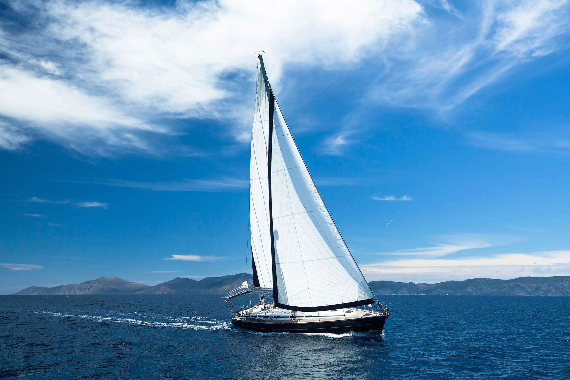 Navegar barco de vela